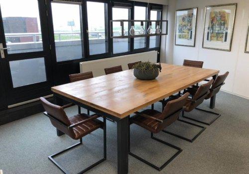 Eikenhouten industriele vergader tafel