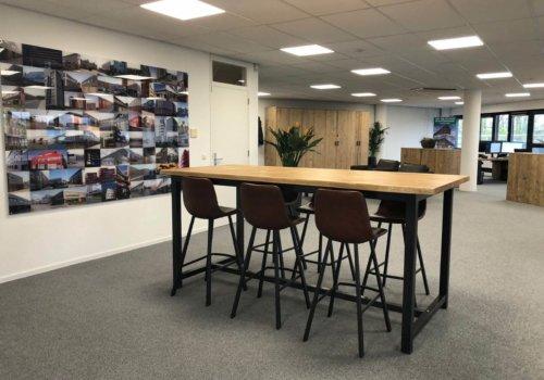 Industriele steigerhouten tafel met metalen onderstel kantoor