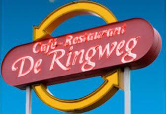 Steigerhouten meubelen cafe De Ringweg