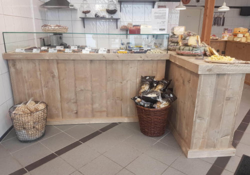 Presentatie meubel steigerhout