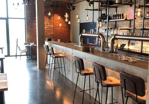 Bar in steigerhout voor horecazaak