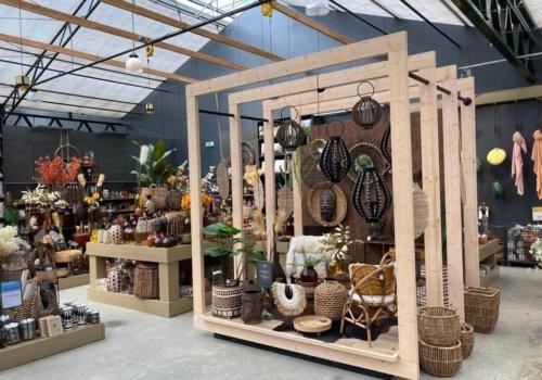 Inrichting van steigerhout voor winkel