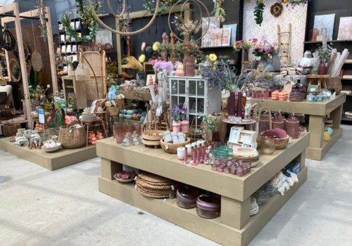 Steigerhouten presentatietafels voor winkel